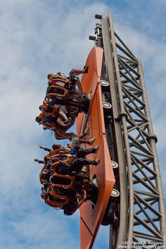 Engineers designer allot of today popular roller coasters and the mechanics of them and how they function Best Amusement Parks, Amusement Park Rides, Cool Coasters, Roller Coasters, Fair Rides, Cedar Point, Carnival Rides, Park Resorts, Fun Activities