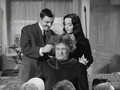 Uncle festers new hair do Original Addams Family, Addams Family Tv Show, Family Tv Series, Carolyn Jones, New Hair Do, Folk, Tv Shows, Popular, Forks