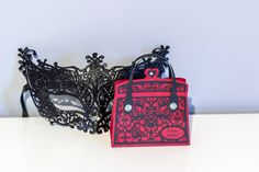 A little red purse Red Purses, Lace Patterns, Little Red, Bling, Shoulder Bag, Bags, Handbags, Needle Tatting Patterns, Jewel