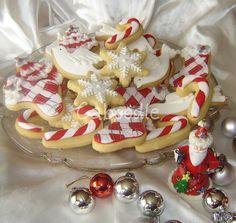 CHRISTMAS COOKIES look closer