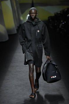 FILA Spring 2020 Ready-to-Wear Collection - Sponsored - Vogue Men Fashion Photo, Denim Fashion, Fashion Show, Milan Fashion, Daily Fashion, High Fashion, Vogue Paris, Neoprene Fashion, Lounge Underwear