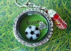 Kette WM , Halskette Fußball von Beads-for-Beginners auf DaWanda.com