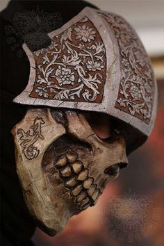 Los cuatro jinetes del Apocalipsis Máscara de fibra de vidrio hecho a mano y pintura. Con la primera capa de gelcoat para más fuerza de la máscara. Y 3 capas de fibra de vidrio. Cada máscara es pintada y tenga poca diferencia de la imagen. ---ENVÍO INFO: Para Estados Unidos tarda de
