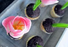 for someone who loves gardening, these flower cupcakes would be perfect