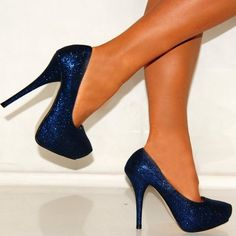 60b010f25a6 Color Of Your Shoes Make Your Legs Look Longer Navy Blue High Heels