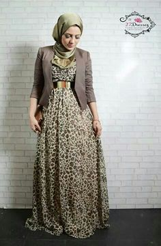 Muslimah fashion & hijab style Too short arms and scarf, otherwise I super like thus outfit!