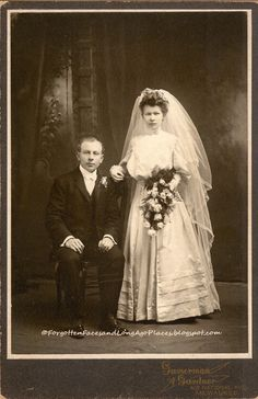 Forgotten Faces and Long Ago Places: Wedding Wednesday - 1905 - 1910 Couple from Milwaukee, WI  http://forgottenfacesandlongagoplaces.blogspot.com/2012/10/fashionable-friday-early-1870s-glen.html