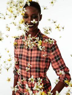 Alexandre Herchcovitch faz chover flores em vídeo da coleção de inverno – play!