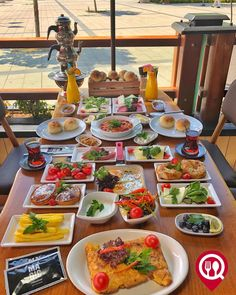 Healthy Foods, Healthy Recipes, Turkish Breakfast, A Food, Food And Drink, Brunch Party, Al Fresco Dining, Food Cravings, Eating Well