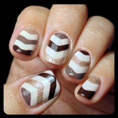 Brown and Gold Chevron Nails. Get Nails, Fancy Nails, Love Nails, Hair And Nails, Gold Manicure, Manicure Colors, Nail Colors, Nail Polish Designs, Nail Art Designs
