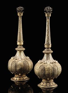 A PAIR OF MUGHAL SILVER GILT ROSEWATER SPRINKLERS, INDIA, 18TH CENTURY
