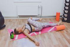 EROON SELKÄKIVUISTA - 15 venytystä helpottamaan alaselän ja lonkan kipuja Hello Kitty, Toddler Bed, Health Fitness, Outdoor Blanket, Yoga, Gym, Workout, Sports, Motivation