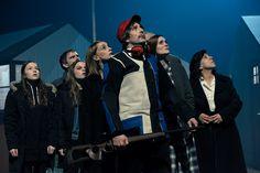 """""""Tristesses"""" è uno spettacolo che, con i codici del giallo e della commedia politica, riflette sulla relazione tra potere e tristezza. Foto di Christophe Engels. #VIEFestival2016 #emiliaromagnateatro #festival #modena #bologna #carpi #vignola #belgium #theatre #teatro"""