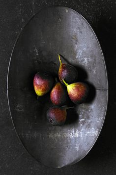 Figs – Super high in calcium and other minerals. They are also contain large amounts of fiber and therefore beneficial for our digestive system. They have been described as being the most alkalizing of all dried fruits.