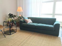 Gelderland bank 905 Illusion design Jan des Bouvrie in eigentijds groen katoen @jandejong interieur in Leeuwarden. Leverbaar in diverse maten.  #gelderlandmeubelen #nonchalantzitten #loungen #groeninterieur