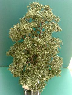 Baumbau---Bau_einer_Eiche_nach _der_Drahtdrillmethode Model Tree, Paper Plants, Wargaming Terrain, Miniature Trees, Clay Miniatures, Wire Art, Model Trains, Scale Models, Decoration