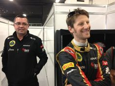 Eric Boullier and Romain Grosjean in the Lotus garage (Barcelona, 02-03-2013)