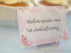 Halloncupcakes med vit chokladfrosting | Johannas Tårtor