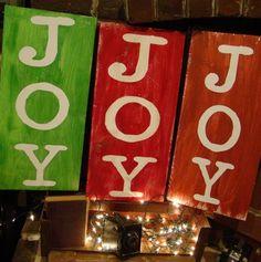 Red & Green DIY JOY Christmas Signs, Christmas Hand Painted Wood Sign, Christmas DIY Signs #DIY #christmas #signs #joy #tutorial www.loveitsomuch.com