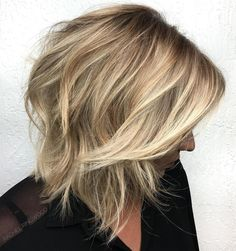 Razor cut is different from scissor cutting: it results in edgier, messier and more textured styles. Find out its pros and consider 20 images for your next haircut!