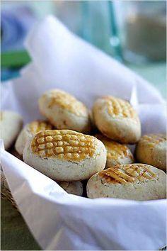 Pineapple tartshttp://pinterest.com/mylinhchau/the-saveur-dinner-party/# (Dessert) #saveur #dinnerparty