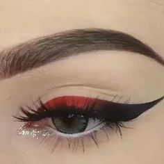 3 wunderschöne Augen Make-up Tutorials - Smokey Eye Makeup Halloween Eye Makeup, Cat Eye Makeup, Simple Eye Makeup, Skin Makeup, Eyeliner Make-up, Eyeshadow, Make Up Tutorials, Makeup Tutorial For Beginners, Makeup Tutorial Videos