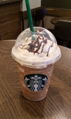 There is nothing Triple about the Mocha in this Starbucks Triple Mocha Frappuccino. I don't even think that should be called a double moc. Bebidas Do Starbucks, Secret Starbucks Drinks, Starbucks Secret Menu, Starbucks Recipes, Milk Shakes, Starbucks Frappuccino, Starbucks Coffee, Yummy Drinks, Yummy Food