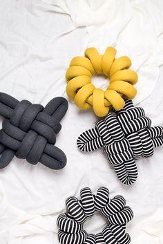 (S) B&W Stripes Knot Pillow