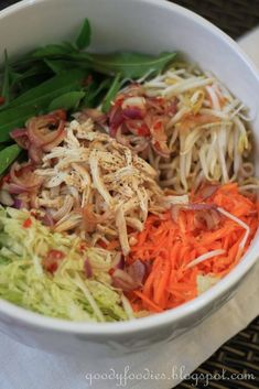 Eat Your Heart Out: Recipe: Vietnamese Chicken Salad (Bill Granger) Lunch Recipes, Cooking Recipes, Healthy Recipes, Healthy Salads, Healthy Food, Yummy Food, Stolen Recipe, Vietnamese Chicken Salad, Asian Recipes