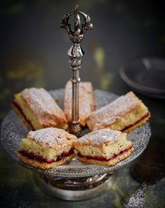 Desert Recipes, Tiered Cakes, Baked Goods, Tiramisu, Cheesecake, Food And Drink, Tableware, Dinnerware, Cheese Cakes