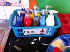 Reception ideas- use old soap dispensers to store your classroom paints! Children can take one or two pumps while choosing which colours they would like to use. Preschool Rooms, Preschool Art, Art Center Preschool, Preschool Room Layout, Classroom Decor, Reception Classroom Ideas, Reception Ideas, Classroom Layout, Classroom Displays