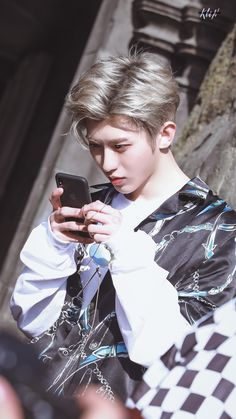nine_percent_boys_ 偶像 - 看得那么认真 在干嘛呢🙈 в Инстаграм Mullet Hairstyle, Rapper, Cute Disney Wallpaper, Percents, Cute Actors, Chinese Boy, Cute Korean, Asian Men, Pop Group