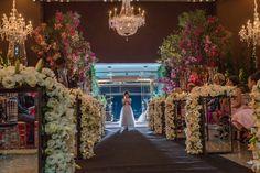 Casamento moderno: dama com as alianças - Foto Andress Ribeiro