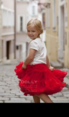Little Red Riding Hood DOLLY skirt.on the way to find a princess :) Too Cool For School, Red Riding Hood, Little Red, Kids And Parenting, Boy Or Girl, Cool Outfits, Tulle, Flower Girl Dresses, Skirt
