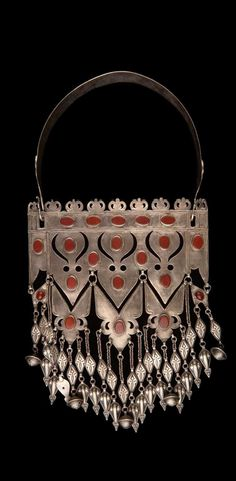 Iran | Necklace from the Turkmen people; silver and carnelian.