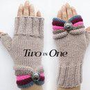 Mit Liebe gestrickt Halbhandschuhe / Pulswärmer, die nicht nur Ihre Hände warm, sondern auch eine ausdrucksstarke Accessoire. Ein Muss Mode-Accessoire, tolle Geschenkidee. Handschuhe sind...