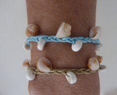 Items similar to beachcomber shell bracelet - beach bracelet - mermaid bracelet - choose your colour on Etsy Beach Jewellery, Seashell Jewelry, Nautical Jewelry, Sea Glass Jewelry, Starfish Crafts, Sea Crafts, Crafts To Make, Shell Bracelet, Diy Bracelet