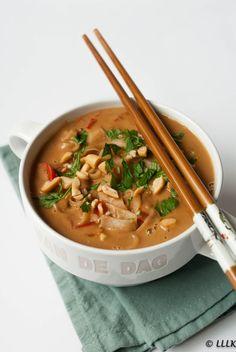 Snelle pinda soep met rijstnoodles
