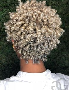 Cute short curly wigs for black women lace front wigs human hair wigs. Click picture to see Pelo Natural, Natural Hair Tips, Natural Hair Styles, Short Curly Hair, Short Hair Cuts, Curly Hair Styles, Curly Braids, Short Curls, Curly Wigs