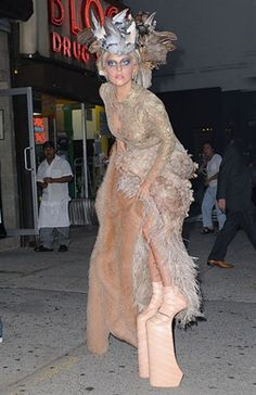 Annie Leibovitz Controversial | Lady Gaga on Annie Leibovitz photoshoot (© Rex)