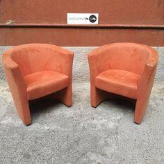Una coppia di poltrone a pozzetto, in alcantara color salmone.  Anni 80  Ben conservate #magazzino76 #viapadova76 #M76 #milano #nolo #modernariato #antiquariato #vintage #design #poltrone #anni80 #perfettecondizioni #poltronepozzetto #alcantara #salmone #colorsalmone Tub Chair, Accent Chairs, Decoration, Furniture, Vintage, Design, Home Decor, Upholstered Chairs, Decor