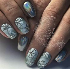 didn't expect that holo effect will look that cool with winter nails :) Nice. didn't expect that holo effect will look that cool with winter nails :) Xmas Nails, Holiday Nails, Diy Nails, Christmas Nails, Fancy Nails, Trendy Nails, Love Nails, Diy Nail Designs, Acrylic Nail Designs