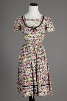 50s-60s VTG Floral Pink, Purple & Yellow Cotton Day Dress. Size S - $70 via eBay