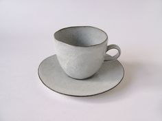 I love this, but also that handle is not nearly large enough for me to wrap my whole hand around the cup and cradle it to my body—basically a requirement for me+tea. Kaori Tatebayashi Ceramics