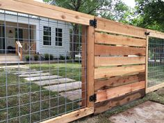 Bull Panel Horizontal Wood Fence