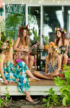 Idée et inspiration look d'été tendance 2017 Image Description Nothing beats summer at the beach in Show Me Your Mumu! Spruce up your summer wardrobe and shop your fave looks in store or online!