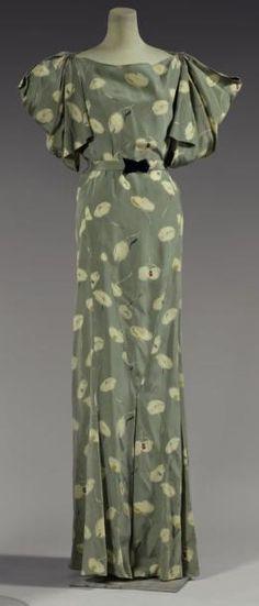 Garden Party Dress by Madeleine Vionnet. Madeleine Vionnet, Vintage Outfits, Vintage Gowns, Vintage Clothing, 50s Outfits, 1930s Fashion, Retro Fashion, Vintage Fashion, Moda Vintage