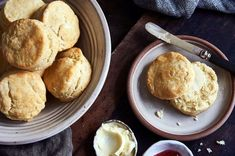 Gluten-Free Biscuits made with baking mix These gluten free biscuits are tender and light, perfect for breakfast sandwiches or dinner. Biscuit Sandwich, Biscuit Recipe, Breakfast Sandwiches, Gluten Free Biscuits, Gluten Free Baking, Baking Powder Biscuits, Gf Recipes, Free Recipes, Fodmap Recipes