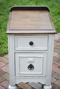 Paint side table from Nanny?