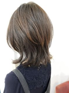 Pin on ミディアムウルフ Pin on ミディアムウルフ Medium Hair Styles For Women, Medium Hair Cuts, Long Hair Styles, Brown Wavy Hair, Medium Shag Haircuts, Hair Color Streaks, Long Faces, Pretty Hairstyles, Hair Lengths